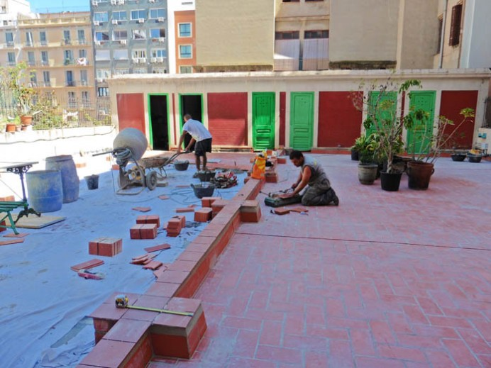 Acabada impermeabilitzacio terrasses C/Ausias March de Barcelona