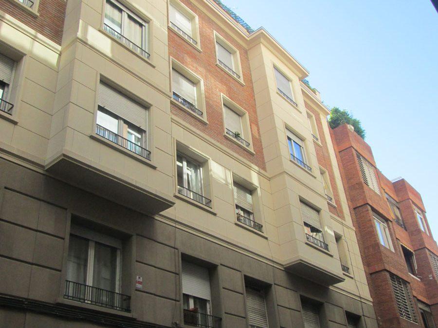 Rehabilitació de façana al C/Puig Reig 5